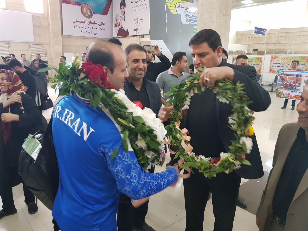 دختران فوتسالیست ملی پوش، غریبانه وارد خوزستان شدند!