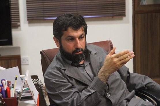 پرداختن به حاشیه ها استان را از توسعه باز می دارد