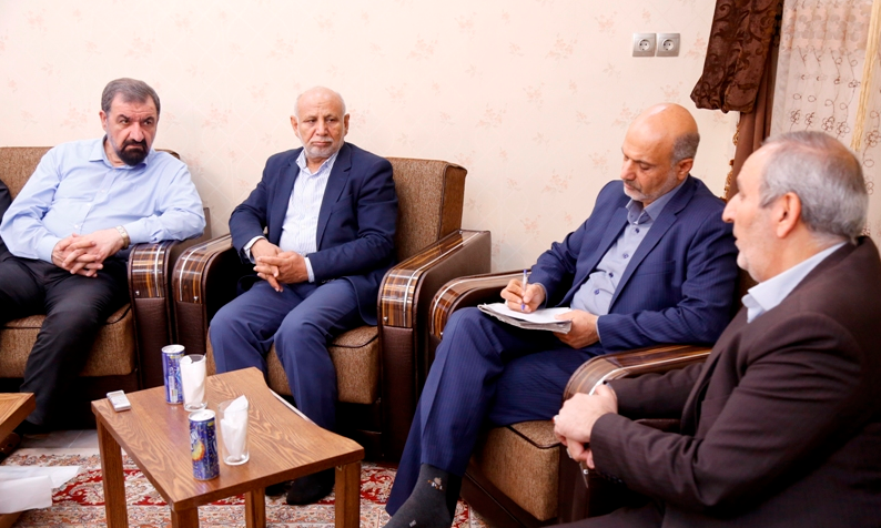بررسی وضعیت قطار شهری اهواز با حضور دبیر مجمع تشخیص مصلحت نظام