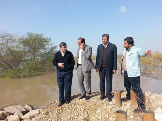همکاری فولاد خوزستان در بازسازی مسیرهای ارتباطی روستاهای سیل زده اهواز