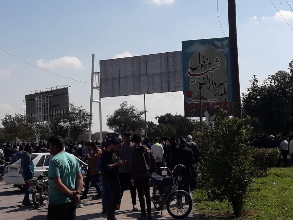 مقامات انتصابی و انتخابی، نباید پرچم دار اعتراضات و پیشقراول معترضین شوند