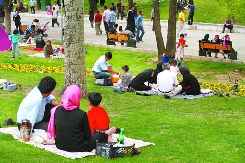 معاون استاندار: خوزستانیها روز طبیعت در خانه میمانند