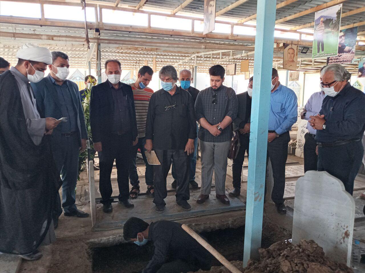 شاعر گلواژههای خوزستان در خاک آرمید