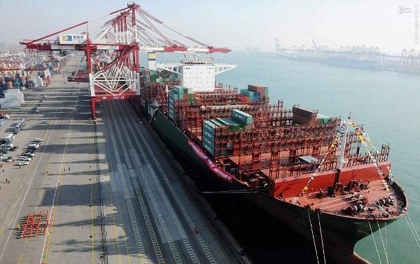 پهلو گرفتن ۲ کشتی حامل ۱۳۳هزار تن شکر خام به ایستگاه بندر امام خمینی(ره)