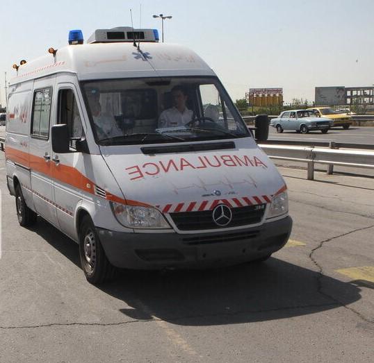 نهادینه شدن نحوه برخورد با آمبولانس در ترافیک