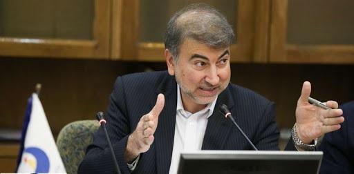 آیا مدیرعامل سازمان آب و برق خوزستان باید از خبرنگاران عذرخواهی کند؟