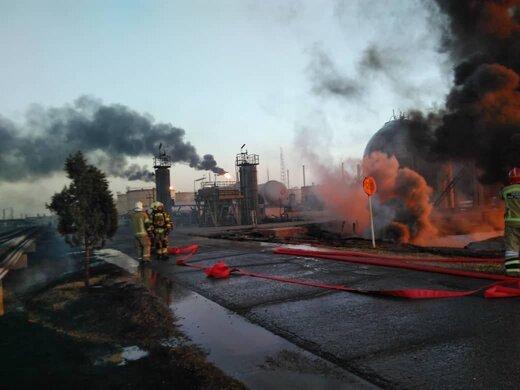 مهار آتشسوزی انبار ضایعات پتروشیمی شهید تندگویان