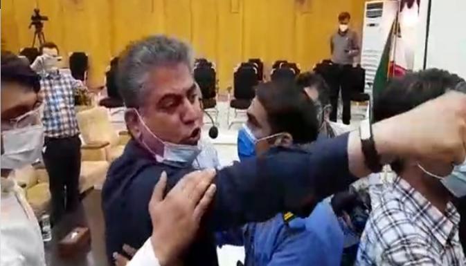مدیرعامل چند بُعدی فقط عصبانیتش را به نمایش گذاشت/ مسئولین سفارشی مسبب بحران های امروز استان خوزستان هستند
