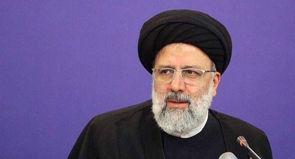هرجا به رهنمودهای امام و رهبری و سیاستهای نظام توجه شد کارها پیش رفت