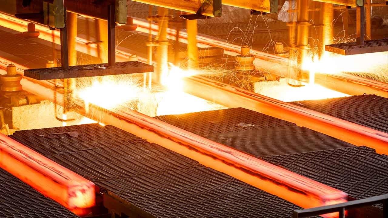 تولید بیش از ۱۱ هزار تُن فولاد در اوج محدودیتهای مصرف برق