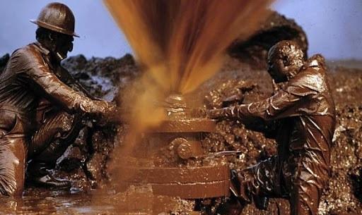 رفتار گزینشی وزارت نفت در اجرای قانون همچنان ادامه دارد!