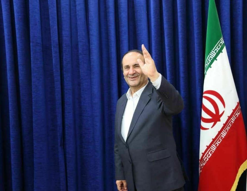 همزمان با تغییر و تحولات دولت، چه خبر از استاندار خوزستان و مسئول جنجالی دفترش؟
