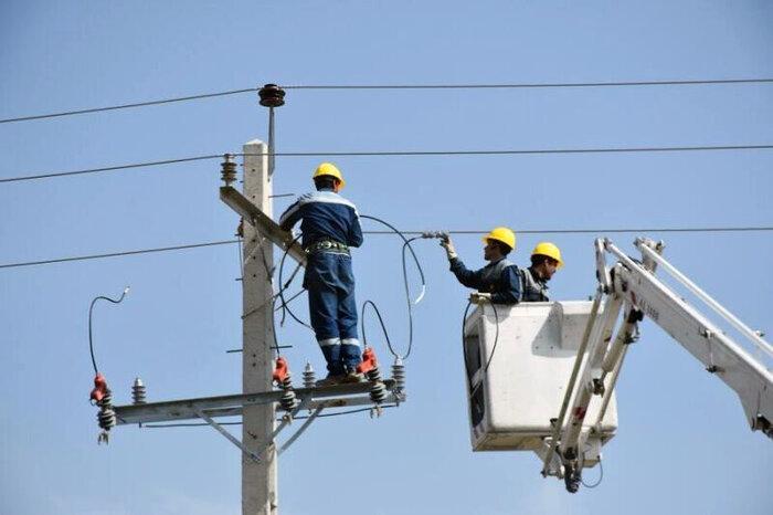 تبدیل بیش از ۳۶ کیلومتر شبکه سیمی به کابل خود نگهدار در اهواز