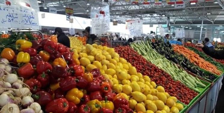 چرخیدن بازار میوه و تره بار اهواز در سایه دلالان