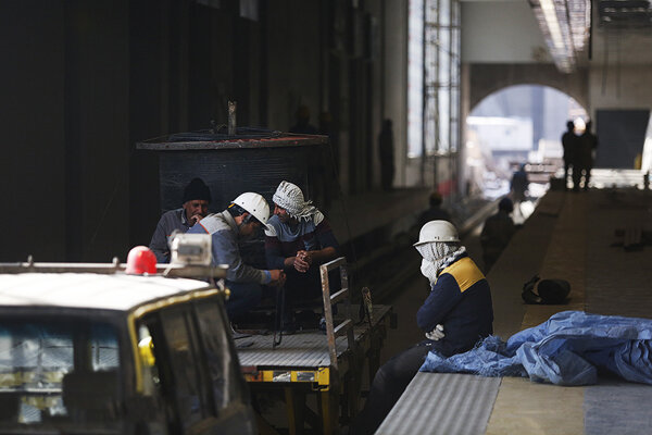 چاره گِره کور قطار شهری اهواز و کارگران محروم از حقوق و بیمه چیست؟