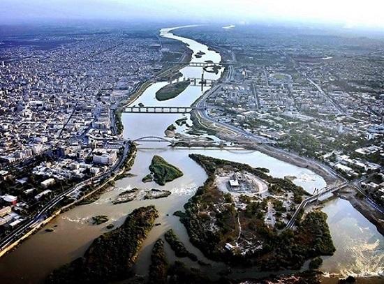 اولویت شهرداری اهواز، حل مشکل آبهای سطحی و فاضلاب است/ بودجه صرف هزینههای جاری و پرداخت حقوق کارکنان میشود